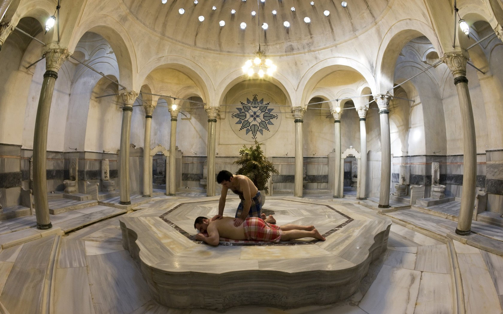 Istanbul // The Hairy Turkish Man Bath Experience  The Adelaidian